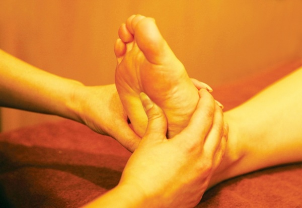 女子力バイブル|足のツボ