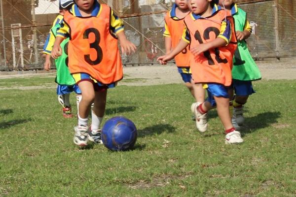 子供の習い事と費用|サッカー