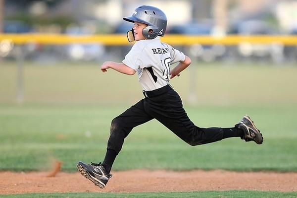 子供の習い事と費用|野球