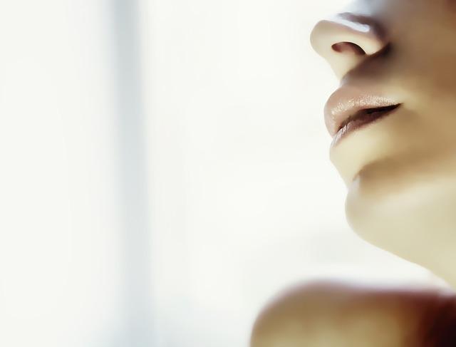 唇の乾燥の原因|乾燥する原因