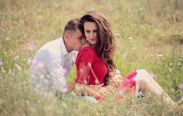 付き合ってない男性とデート|単なる女好きor体目当て