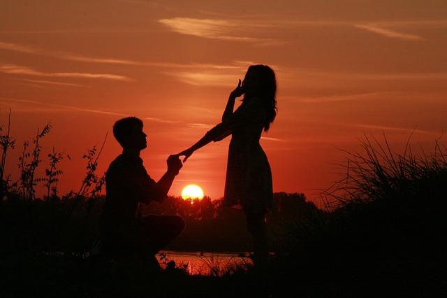 女性が憧れる♡プロポーズの場所10選とシチュエーション