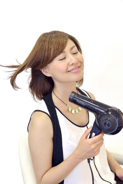 ヘアカラー長持ち|入浴後なるべく早く髪を乾かす