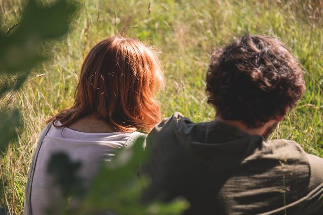友達以上恋人未満のキス|問い詰める