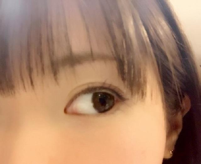 目を大きくするメイク|目元ギリギリのぱっつん前髪