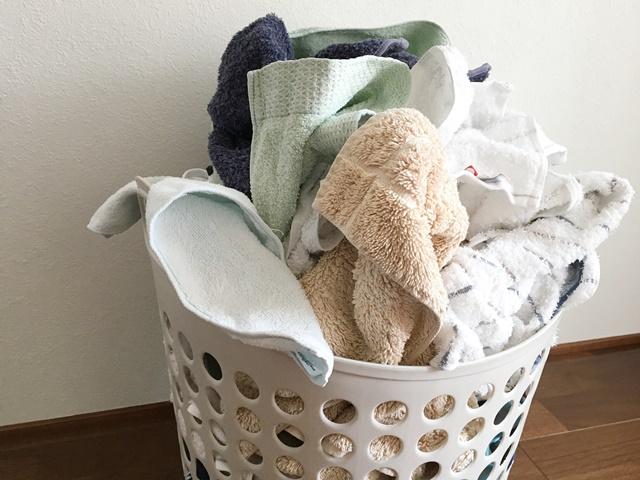 洗濯物の臭いの取り方|洗濯物は通気性の良いカゴに