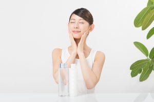 エマルジョンリムーバーの正しい使い方|いつも通りの洗顔と化粧水等のスキンケアをする