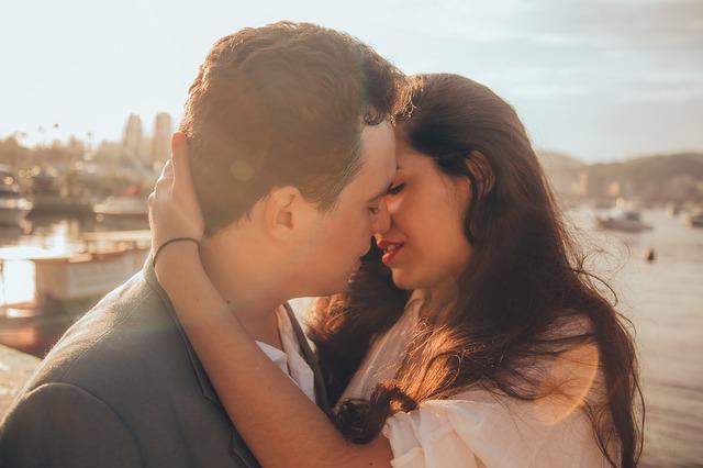 既婚女性と独身男性|大人の魅力に魅かれる