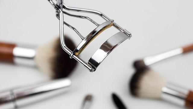 まつげ美容液の効果|安全性