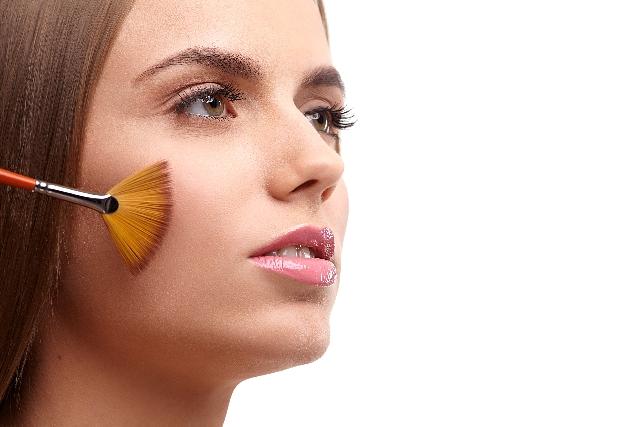 ニキビ跡を皮膚科で治療|ケミカルピーリング
