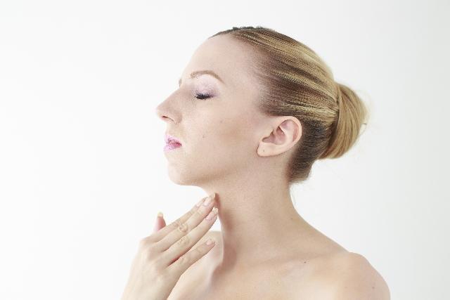ニキビ跡を皮膚科で治療|レーザー治療