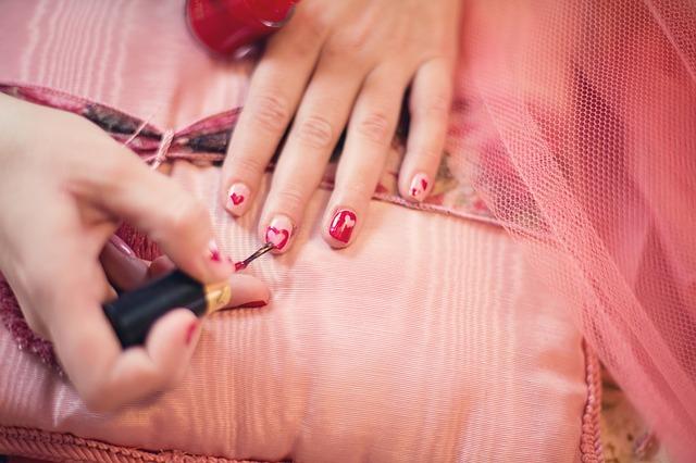 女性の自分磨き|爪を整える