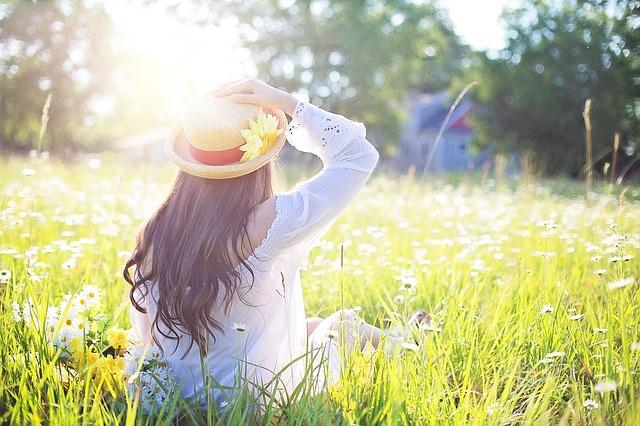 合コンの女性の服装|春の合コン