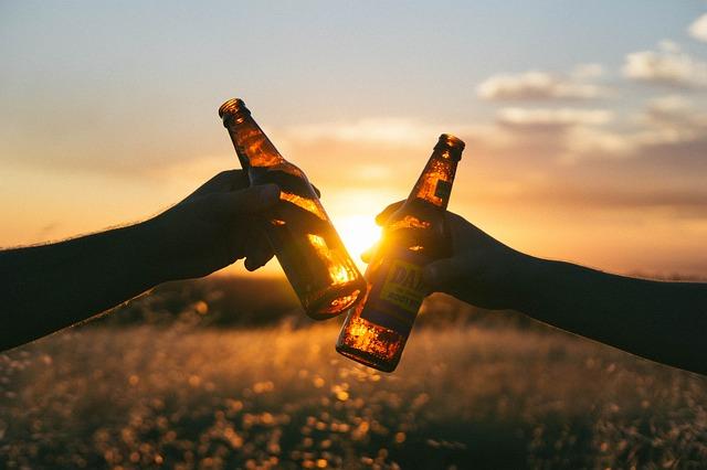内臓脂肪はお酒が原因?上手な飲み会の過ごし方とは