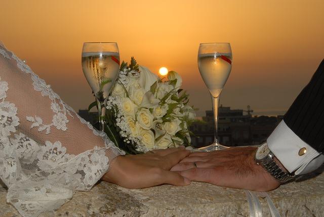 結婚式を挙げない選択から得られることとは?