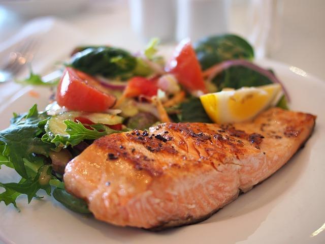 内臓脂肪を減らすには食生活の見直しを