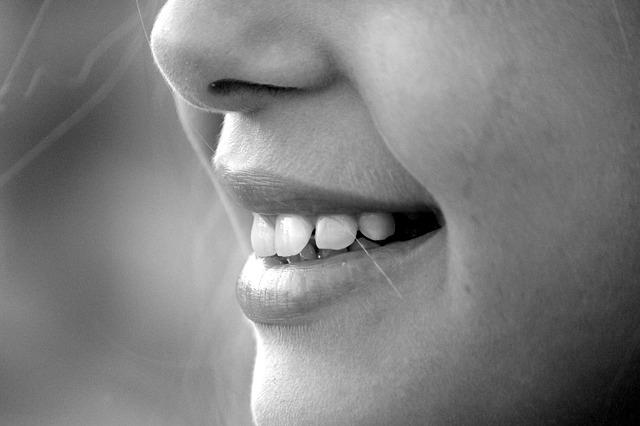 恋愛トラウマ|5.笑う門には福来る!とにかく笑顔でいる時間を増やそう!
