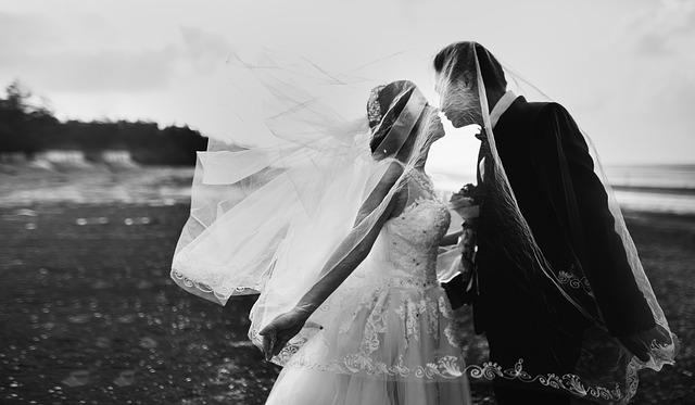 結婚式を挙げない|3.どうしても式を挙げたい方には「激安結婚式」がおすすめ!