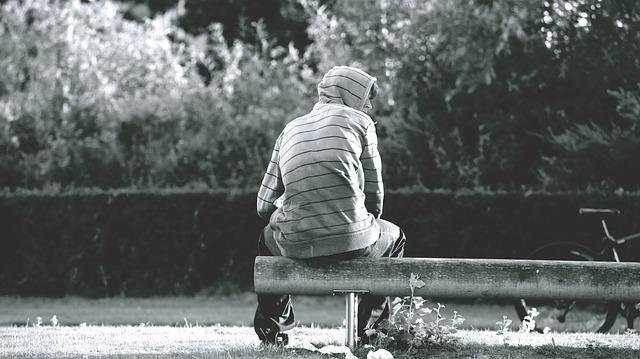 遠距離恋愛中に浮気しやすい男性の特徴とは?