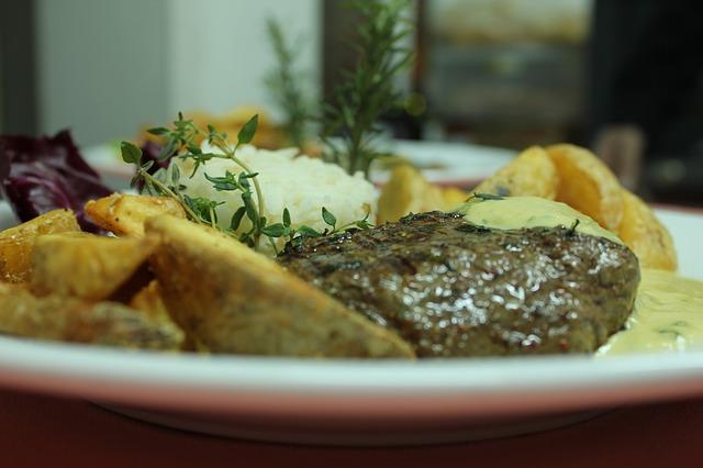 夕飯は22時以降になることが多い | 内臓脂肪の特徴