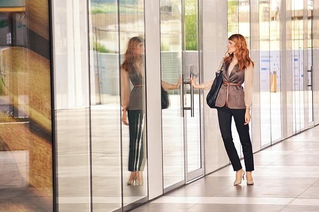 仕事と恋愛を両立できない女性の特徴とは?
