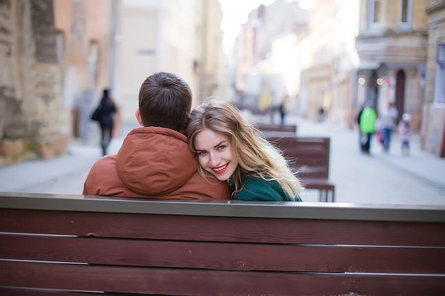 男性はこんな「働く女性」に魅かれる!|仕事と恋愛