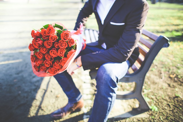 付き合ってない男性がデートに誘う男性心理10個