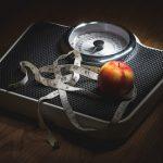 内臓脂肪が増える原因は酒?それとも食べ物?